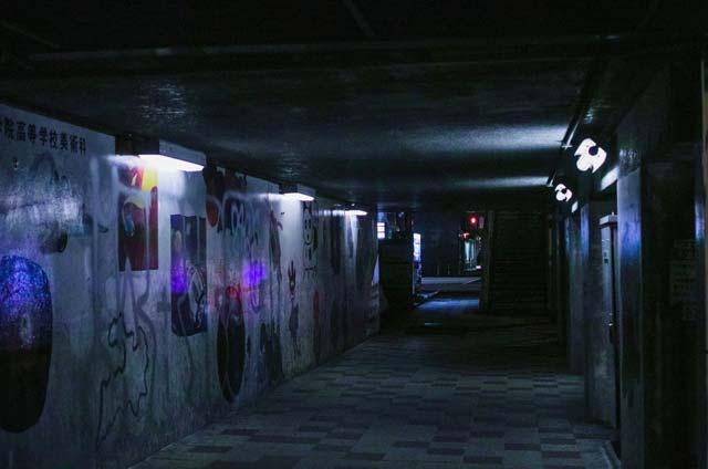 クラブは何故暗いのか?何故地下にあるところが多いのか?